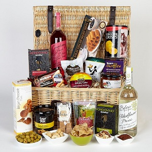 Newmarket Hamper In Wicker Basket